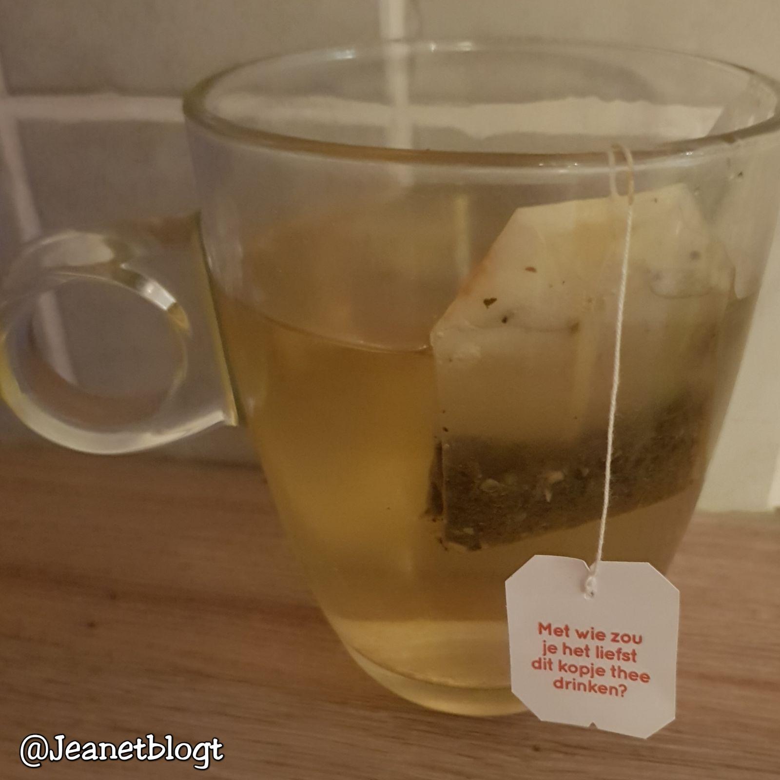Met wie zou je het liefst weer een kopje thee drinken?